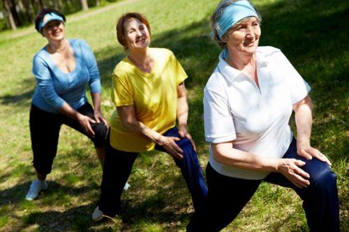 Гимнастика при боли в колене для пожилых