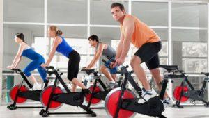 Плавные движения суставов при работе на тренажере