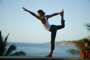 Упражнение на равновесие для профилактики остеопороза