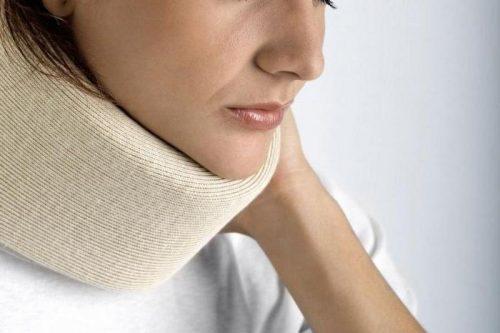 Применение шейного бандажа при остеохондрозе