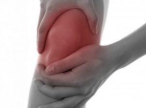 Боль и опухание колена