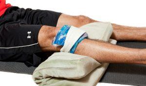 Холодный компресс на колено