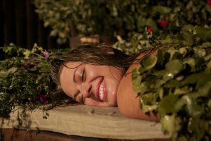 Травяные компрессы для спины в бане при радикулите
