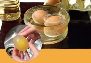 Лечение косточки яйцом, растворенным в уксусе