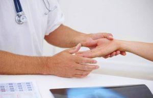 Обращение к врачу при онемении