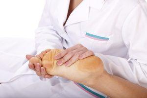 Обращение к врачу при боли в стопе