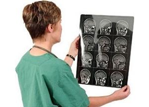 Обращение к врачу для диагностики остеомы