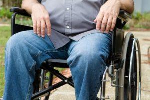 Опасность паралича конечностей при запущенной грыже позвоночника