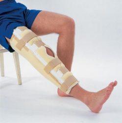 Ортез при вывихе колена