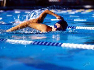Плавание кролем для облегчения спондилеза