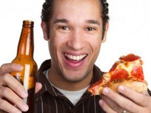 Опасное сочетание пуринов в пиве и жирном мясе