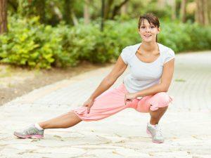 Растягивание мышц бедра