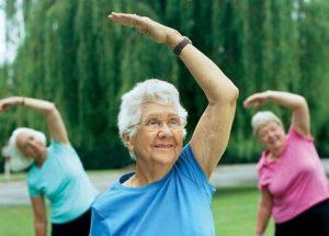 Зарядка в пожилом возрасте для профилактики гонартроза